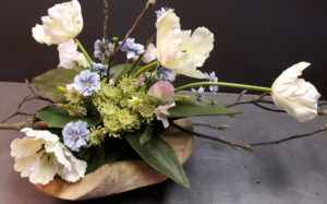Flowers & Friends - Zijden bloemen arrangement